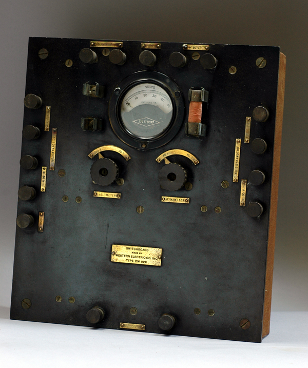 CW 928 switchboard front panel