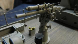 Deck gun. Chaser model by Dave Richey.