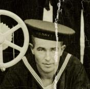 SC 113 crewman