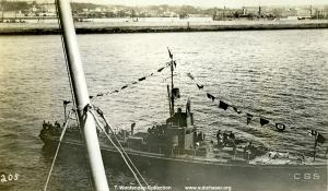 Submarine chaser SC 394 / C 65. T. Woofenden Collection.