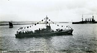 Submarine chaser C 98. T. Woofenden Collection.