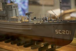 SC 201 model, Lyceum: Bow, starboard side