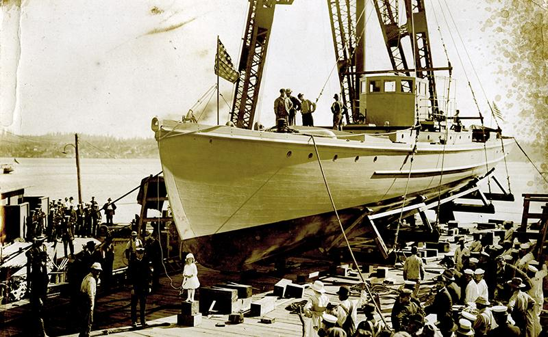 Submarine chaser SC 288 launch. T. Woofenden Collection